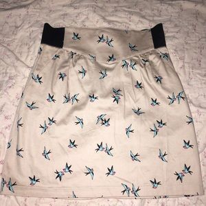 Skirt with Swallow print. Really cute size 6. NWT